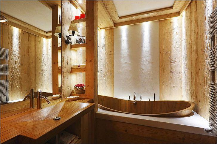 Интерьер с деревянной ванной